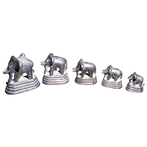 Set of five graduated bronze elephant opium weights