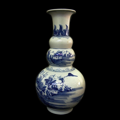 Blue and white Qing vase