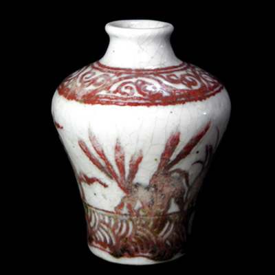 Yuan white glaze jarlet with red designs