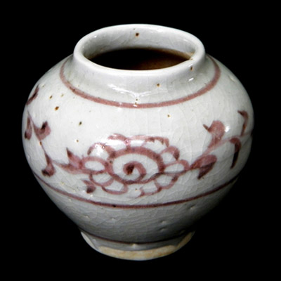 Yuan red and white underglaze jar