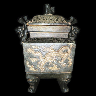 Beaufilly designed funerary urn with dragon motif